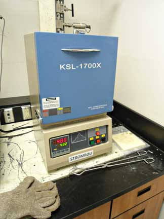 MTI KSL-1700X high temperature muffle furnace with molybdenum disilicide heating elements. Used for heating and melting geological samples in air or a controlled inert atmosphere  up to 1700oC and for homogenizing melt inclusions in igneous rocks. Contact: Jacob Hanley