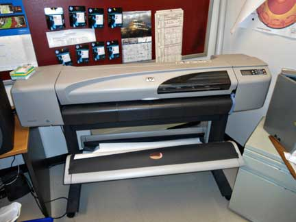 HP DesignJet 500 colour inkjet plotter. Used for preparing poster-sized print outs for research and teaching presentation. Contact: Randy Corney